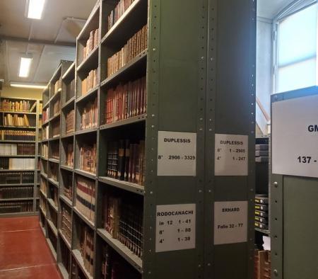 Magasins de la bibliothèque. © Bibliothèque de l'Institut de France